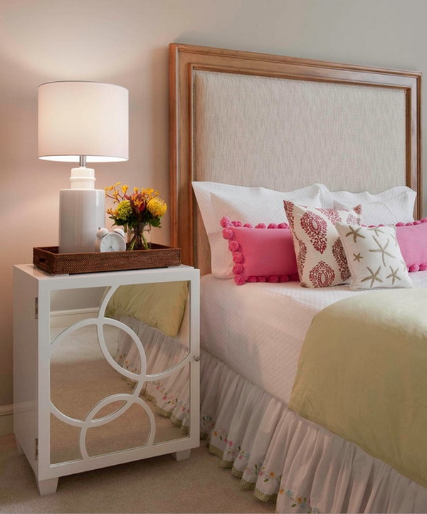 17 Best Ideas About Bedside Table Decor On Pinterest Side Table Luxury Bedroom Table Ideas