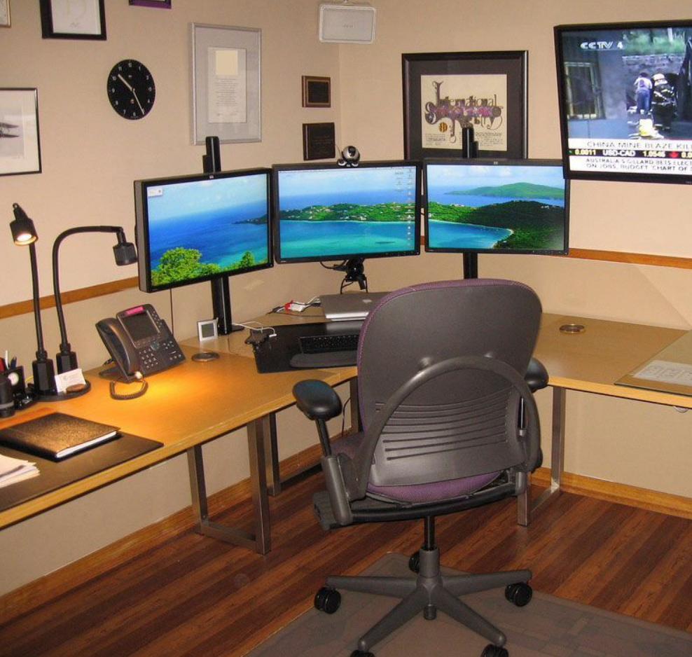 Best home office docking station setup 3 monitors