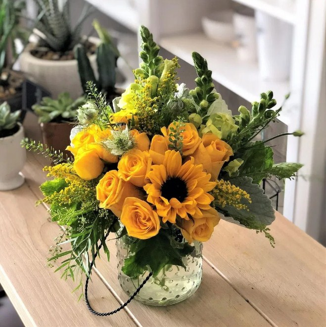 Arrangement Ideas Inspiring Spring Flower