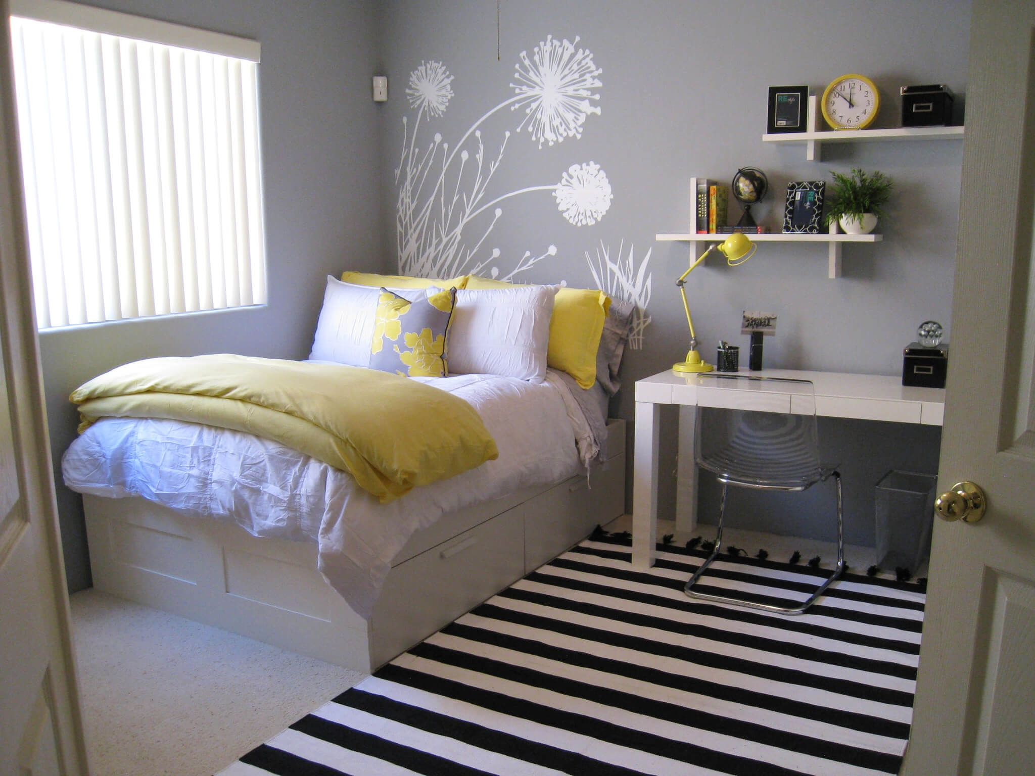 best small bedrooms ideas on pinterest decorating small inexpensive bedroom ideas for small rooms