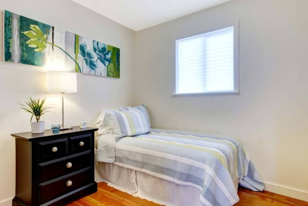 Decorating Small Bedroom Tiny Bedrooms With Huge Style Via Simple Simple Small Bedroom Designs