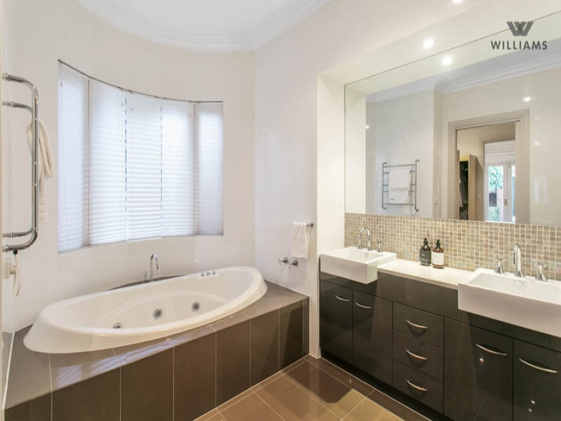 Bathroom Spaced Interior Design Ideas Photos And Pictures For Minimalist Australian Bathroom Designs