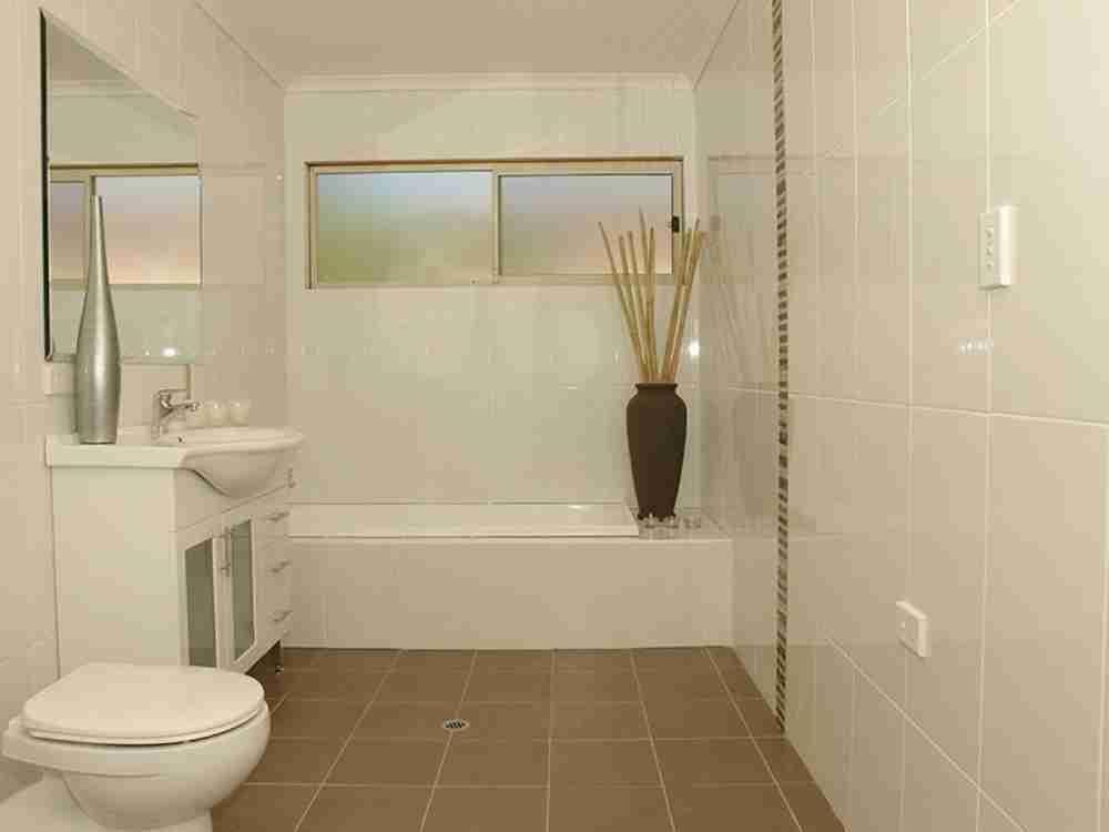 Simple Bathroom Tile Ideas Decor Ideasdecor Ideas Simple New Tiling Designs For Small Bathrooms